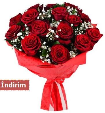 12 Adet kırmızı aşk gülleri  Aydın incir çiçek çiçek satışı