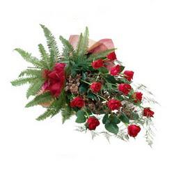 Aydın incir çiçek online çiçek gönderme sipariş  10 adet kirmizi gül özel buket çiçek siparisi