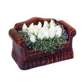 seramik içerisinde 11 gül  Aydın incir çiçek hediye çiçek yolla