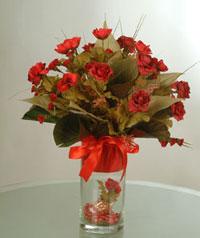 yapay güllerden vazo  9 gül  Aydın incir çiçek uluslararası çiçek gönderme