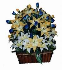 yapay karisik çiçek sepeti   Aydın incir çiçek çiçek gönderme