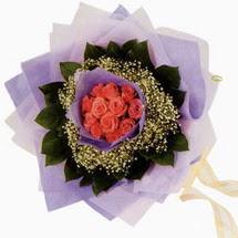 12 adet gül ve elyaflardan   Aydın incir çiçek çiçekçi mağazası