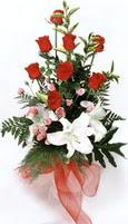 güller ve kazablankalardan   Aydın incir çiçek çiçek , çiçekçi , çiçekçilik