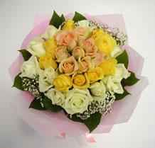 sari ve beyaz gül karisimda   Aydın incir çiçek çiçek , çiçekçi , çiçekçilik
