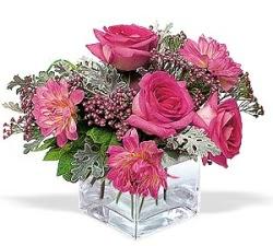 Aydın incir çiçek cicekciler , cicek siparisi  cam içerisinde 5 gül 7 gerbera çiçegi