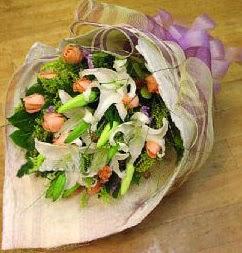 Aydın incir çiçek internetten çiçek satışı  11 ADET GÜL VE 1 ADET KAZABLANKA