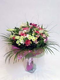 Aydın incir çiçek hediye çiçek yolla  karisik mevsim buketi mevsime göre hazirlanir.