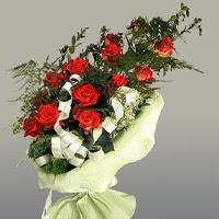Aydın incir çiçek ucuz çiçek gönder  11 adet kirmizi gül buketi sade haldedir