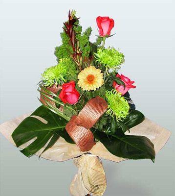 Aydın incir çiçek ucuz çiçek gönder  3 adet gül 4 adet gerbera çiçegi sade buket