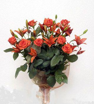 9 adet gül ve 3 adet lilyum çiçegi buketi   Aydın incir çiçek cicek , cicekci