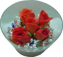 Aydın incir çiçek 14 şubat sevgililer günü çiçek  5 adet gül ve cam tanzimde çiçekler