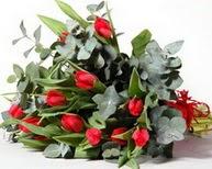 Aydın incir çiçek çiçek satışı  11 adet kirmizi gül buketi özel günler için