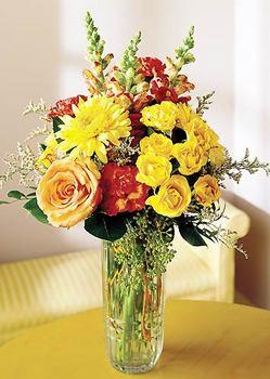 Aydın incir çiçek 14 şubat sevgililer günü çiçek  mika yada cam içerisinde karisik mevsim çiçekleri