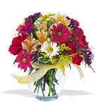 Aydın incir çiçek çiçek , çiçekçi , çiçekçilik  cam yada mika vazo içerisinde karisik kir çiçekleri