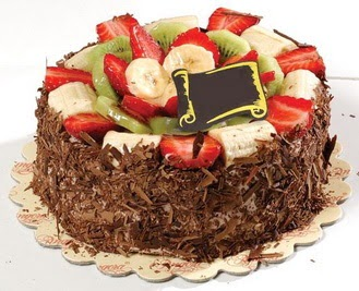 pastaci firmasindan 4 ile 6 kisilik çikolata meyvali yaspasta  Aydın incir çiçek çiçek siparişi sitesi