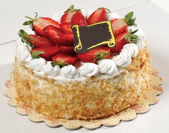 uygun pastaneler 4 ile 6 kisilik çilekli yas pasta lezzetli  Aydın incir çiçek çiçek siparişi vermek