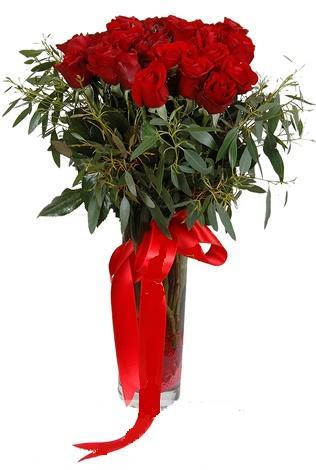 15 adet kirmizi gül cam vazo içerisinde  Aydın incir çiçek internetten çiçek satışı