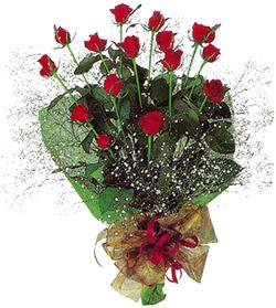 11 adet kirmizi gül buketi özel hediyelik  Aydın incir çiçek çiçekçi mağazası