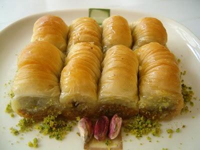 tatli gönder Essiz lezzette 1 kilo Fistikli Sari Burma  Aydın incir çiçek cicekciler , cicek siparisi