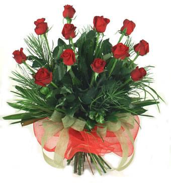 Çiçek yolla 12 adet kirmizi gül buketi  Aydın incir çiçek güvenli kaliteli hızlı çiçek