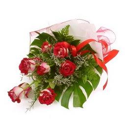 Çiçek gönder 9 adet kirmizi gül buketi  Aydın incir çiçek çiçek siparişi vermek