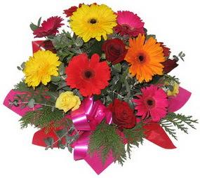 Karisik mevsim çiçeklerinden buket  Aydın incir çiçek hediye sevgilime hediye çiçek