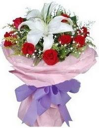 9 adet kirmizi gül 1 adet kazablanka buketi  Aydın incir çiçek çiçekçi mağazası