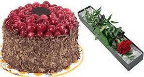1 adet yas pasta ve 1 adet kutu gül  Aydın incir çiçek uluslararası çiçek gönderme