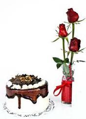 Aydın incir çiçek çiçek siparişi vermek  vazoda 3 adet kirmizi gül ve yaspasta