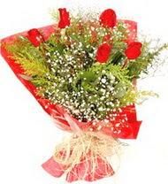 Aydın incir çiçek anneler günü çiçek yolla  5 adet kirmizi gül buketi demeti
