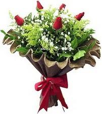 Aydın incir çiçek online çiçek gönderme sipariş  5 adet kirmizi gül buketi demeti