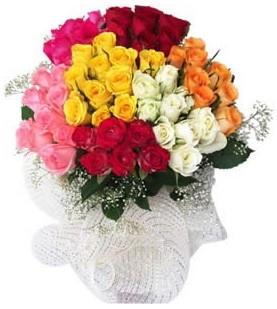 Aydın incir çiçek çiçekçi telefonları  51 adet farklı renklerde gül buketi
