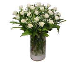 Aydın incir çiçek yurtiçi ve yurtdışı çiçek siparişi  cam yada mika Vazoda 12 adet beyaz gül - sevenler için ideal seçim