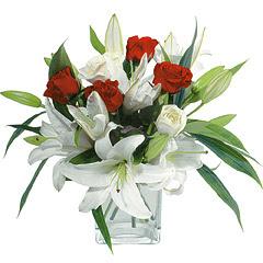 vazo içerisinde 4 gül 1 adet kazablanka  Aydın incir çiçek online çiçek gönderme sipariş