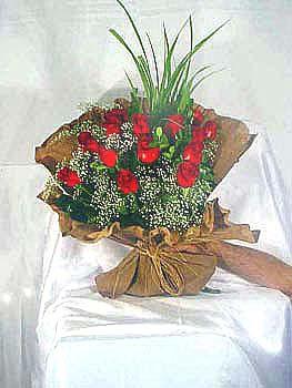 Aydın incir çiçek çiçek gönderme  11 adet kirmizi kaliteli gül