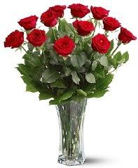 11 adet kırmızı gül vazoda  Aydın incir çiçek internetten çiçek siparişi