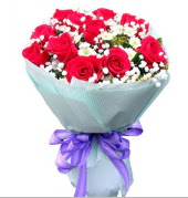 12 adet kırmızı gül ve beyaz kır çiçekleri  Aydın incir çiçek çiçekçi mağazası