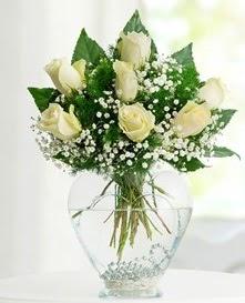 Cam içerisinde 7 adet beyaz gül  Aydın incir çiçek cicekciler , cicek siparisi