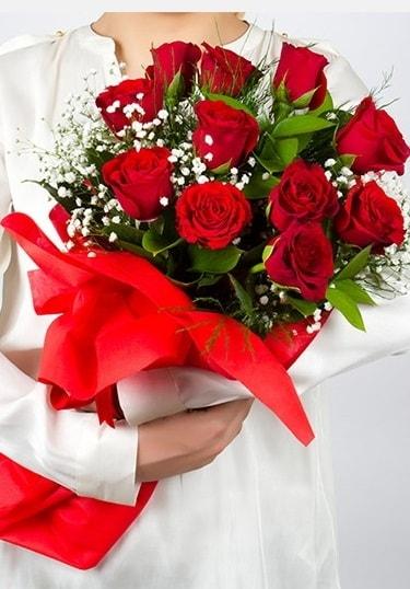 Aşk Gülleri 11 Adet kırmızı gül buketi  Aydın incir çiçek çiçekçi telefonları