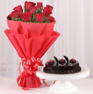 10 Adet kırmızı gül ve 4 kişilik yaş pasta  Aydın incir çiçek internetten çiçek satışı