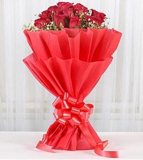12 adet kırmızı gül buketi  Aydın incir çiçek hediye çiçek yolla