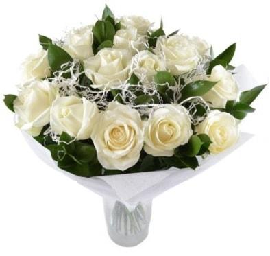 15 beyaz gül buketi sade aşk  Aydın incir çiçek çiçek satışı