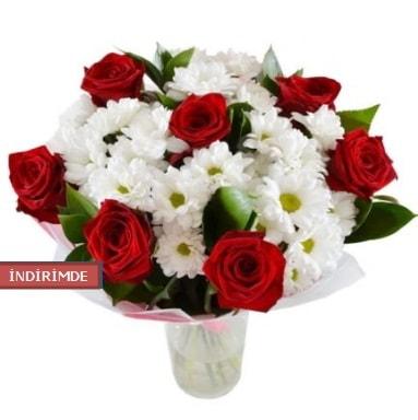 7 kırmızı gül ve 1 demet krizantem  Aydın incir çiçek çiçek gönderme sitemiz güvenlidir